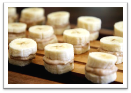 Quick-and-Easy-Snacks-that-I Love-banana-sandwich